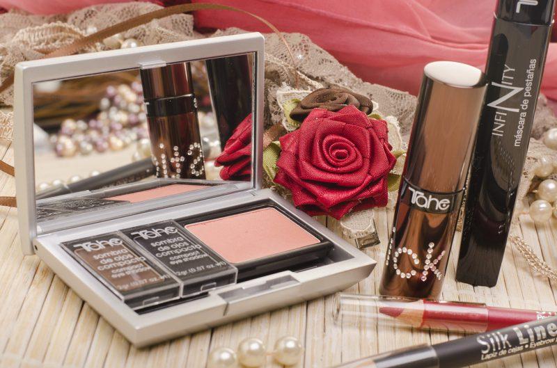 Róż do policzków – Twój nowy ulubiony kosmetyk!