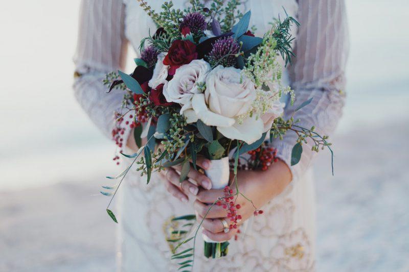 Koronkowa suknia ślubna – kobieca kreacja idealna na wielki dzień!